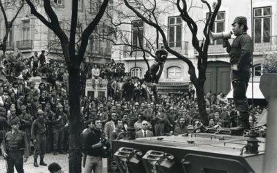 """""""Revolução dos Cravos"""" festeja 47 anos por Manuel Vitorino"""